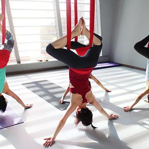 Εναέρια Yoga
